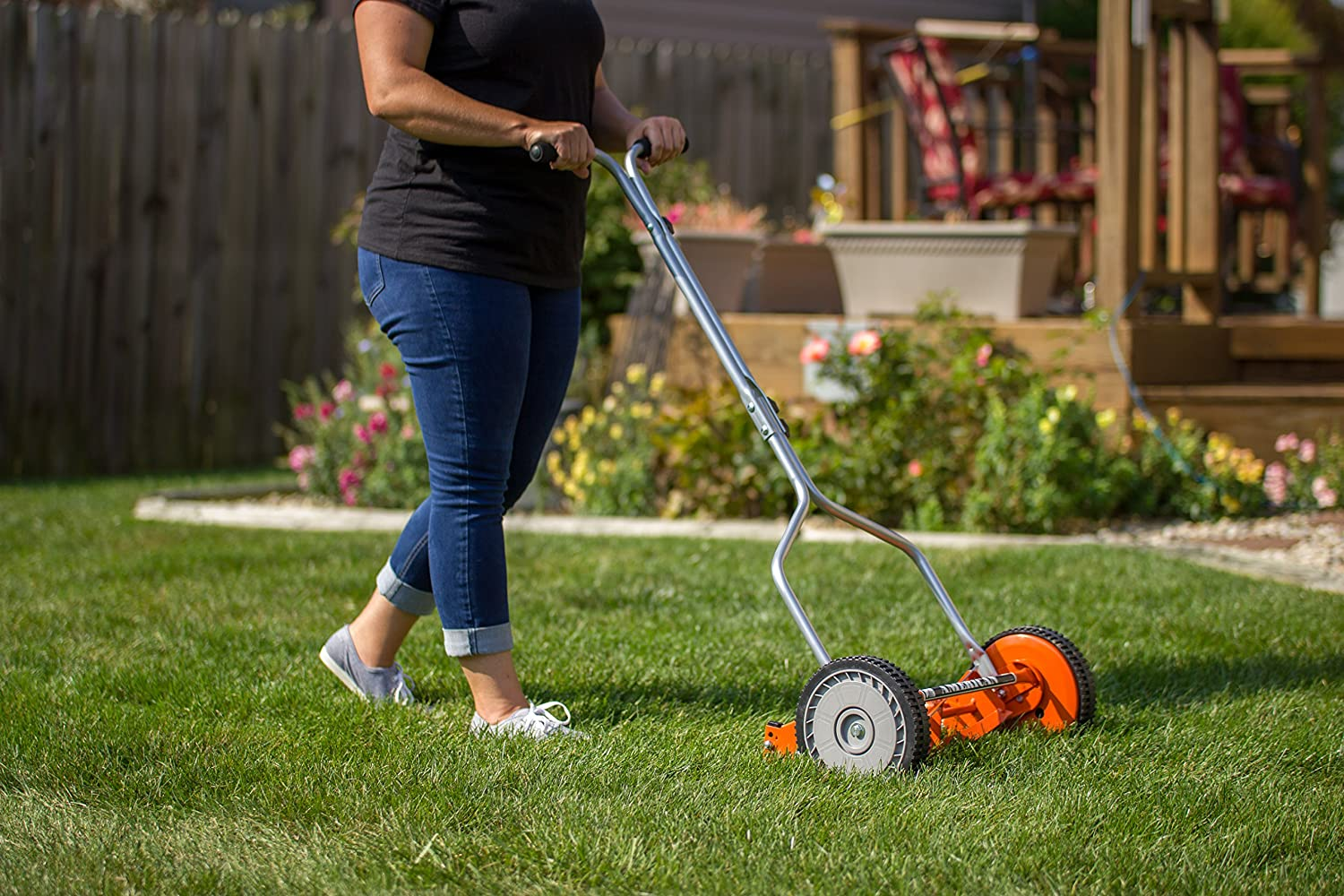 Best Lawn Mower for Wet Grass Reviews and Buying Guide 2020