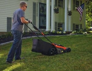 Best Lawn Mower with Bag Reviews and Buying Guide 2021