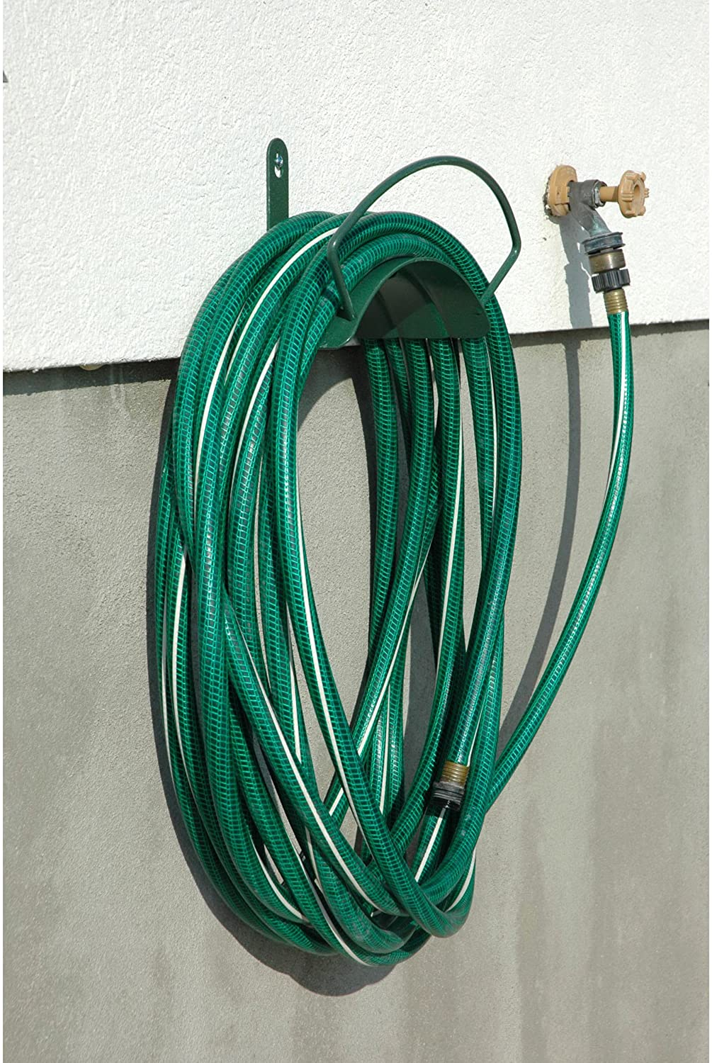 Best Garden Hose Hanger Reviews and Buying Guide 2021