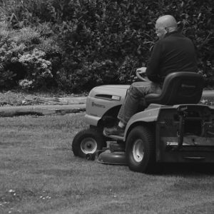 How to Change Oil in Lawn Mower (Steps)